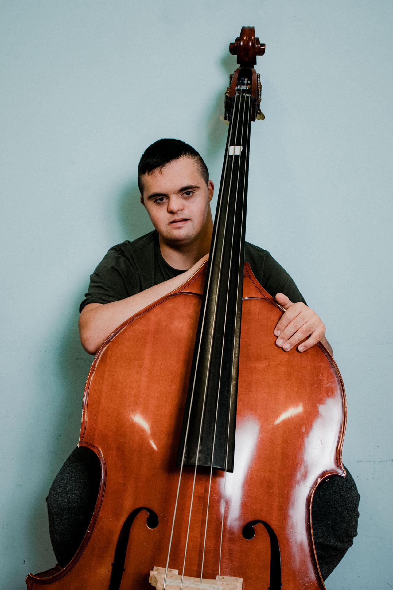 Mikael Lorenzo Garcia